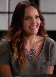 Qui joue le rôle de Nicole Gordon ?