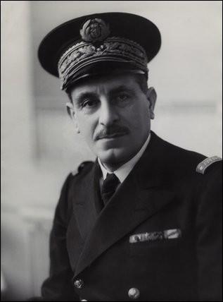 Vice-amiral, il est, le 30 juin 1940, le premier officier général à rejoindre de Gaulle. Figure de la France Libre, il est à l'origine de l'emblème de la croix de Lorraine. De qui s'agit-il ?