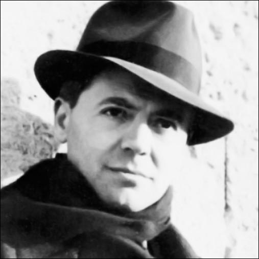 Grande figure de la Résistance, Jean Moulin a été arrêté le 21 juin 1943, torturé et tué. Quand place-t-on son premier acte de résistance?