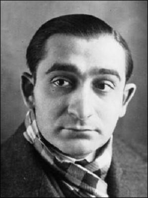 Cet homme politique, radical-socialiste, jeune sous-secrétaire d'Etat du gouvernement du Front populaire, a été arrêté et incarcéré par Vichy. Il rejoint Londres et combat dans l'aviation. Qui est-ce?