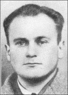 """Ce communiste polonais, engagé volontaire en 1940 a été chef des FTP de la région parisienne sous le nom de """"Colonel Gilles"""". Dénoncé, il a été arrêté, torturé et fusillé par les Allemands qui n'ont jamais connu son identité. De qui s'agit-il ?"""