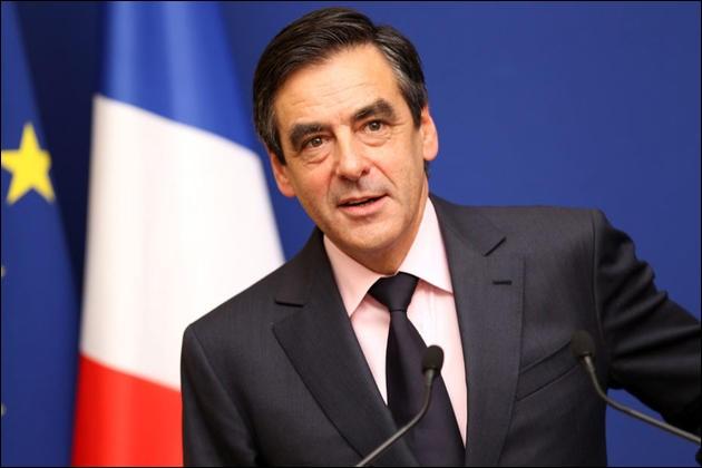 Quelle est la proposition de François Fillon concernant les fonctionnaires français, répartis en trois catégories (fonction publique de l'État, fonction hospitalière et fonction territoriale) ?
