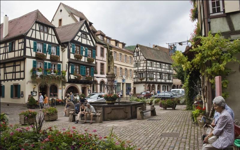 KAYSERSBERG - Dans quelle région se situe cette ville connue notamment pour son vignoble ?