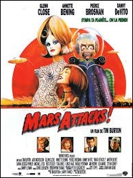"""Désigner le comédien jouant le personnage du président des Etats-Unis, dans """"Mars Attacks!"""", sorti en salle en 1996 :"""
