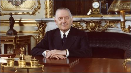 Combien de fois Alain Poher a-t-il assumé la fonction de président de la République française par intérim ?
