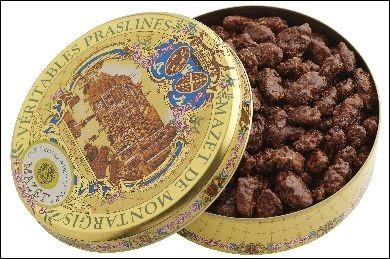 Quelle confiserie de Montargis, commune française du Loiret, contient cette jolie boîte ?