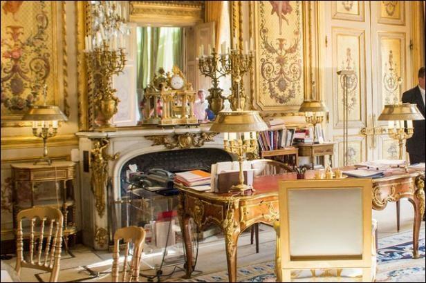 Comme chaque 14 juillet, le Président de la République s'exprime devant les Français : qui est alors Président ?