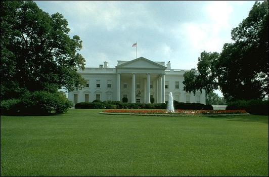 Le 8 décembre, Américains et Soviétiques signent un traité à Washington. Sur quoi porte-t-il ?