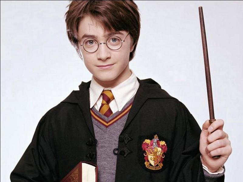 À quel âge Harry va-t-il entrer à Poudlard ?