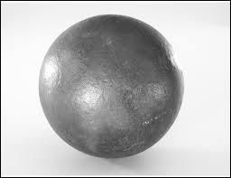 D'après une équation très célèbre, quelle est l'énergie (en J) que libère un objet en fer de 500 grammes, lorsqu'il touche un objet de même masse en anti-fer ?