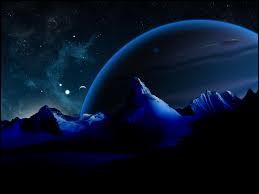 Comment s'appellent les objets se trouvant derrière Neptune ?