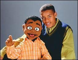 """Dans la série télévisée """"Cousin Skeeter"""", comment s'appelle le cousin de Skeeter ?"""