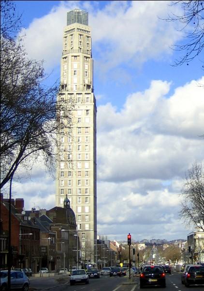 Qui a construit la tour ci-dessus ?