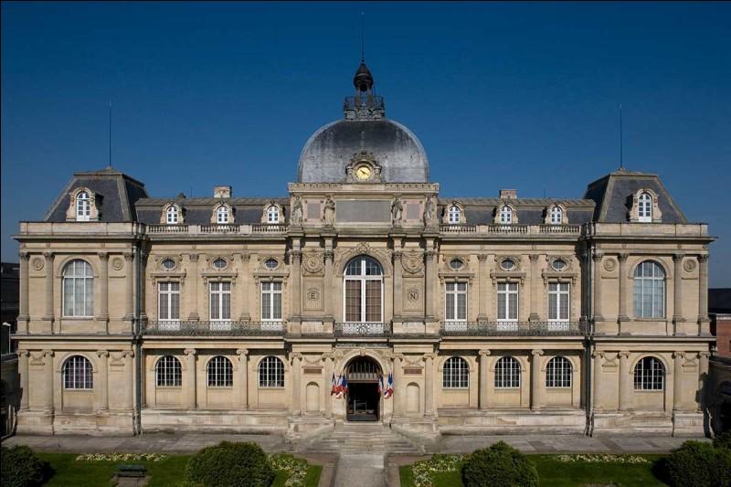 Comment s'appelle le musée que l'on peut trouver à Amiens ?