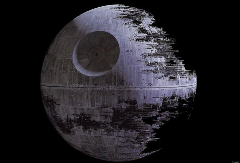 Qui apporte les documents de l'Étoile noire aux rebelles ?