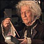 Comment s'appelle le fabricant de baguettes magiques sur le Chemin de Traverse ?