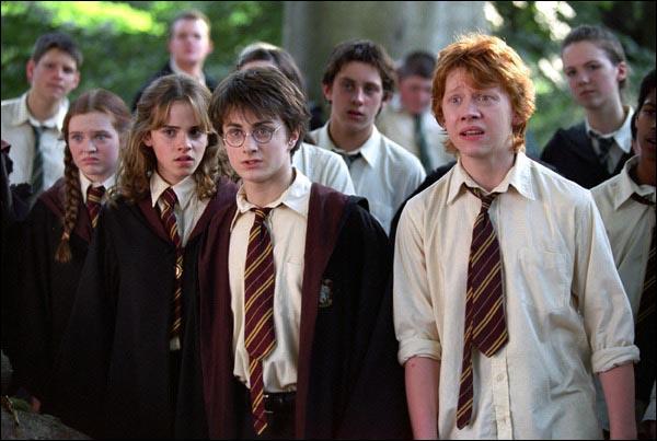 Dans le tome 4, aprés qu'Harry ait combattu Lord Voldemort, quelle révélation va bouleverser l'histoire ?