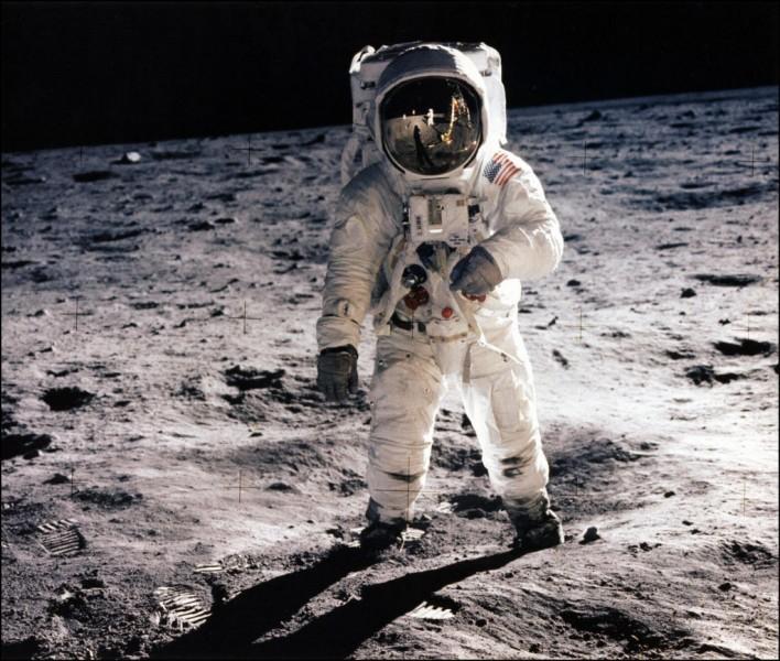 En quelle année Neil Armstrong a-t-il marché sur la Lune ?