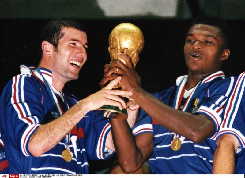 En quelle année l'équipe de France de football remporte-t-elle sa première Coupe du monde ?