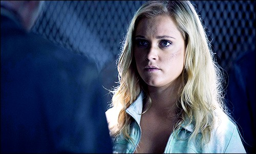Quel est le numéro de prisonnière de Clarke ?