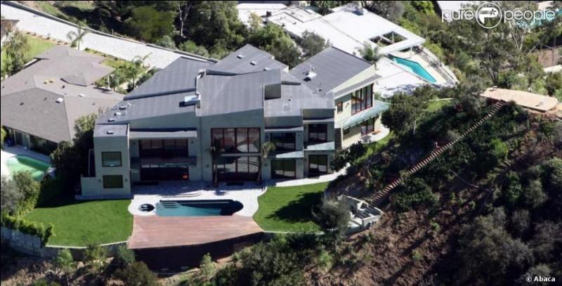 À qui est cette maison ?