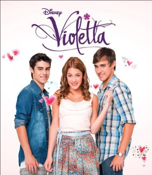 De qui Violetta est-elle amoureuse en premier ?
