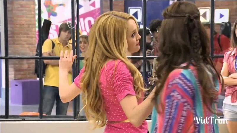 Que chantent Ludmila et Camila et dans quel épisode ? (2 chansons)