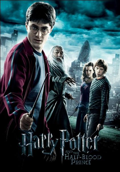 """""""Harry Potter et le prince de sang mêlé !"""" .Qui lance la marque des ténèbres à la tour d'astronomie après avoir tué Dumbledore ?"""