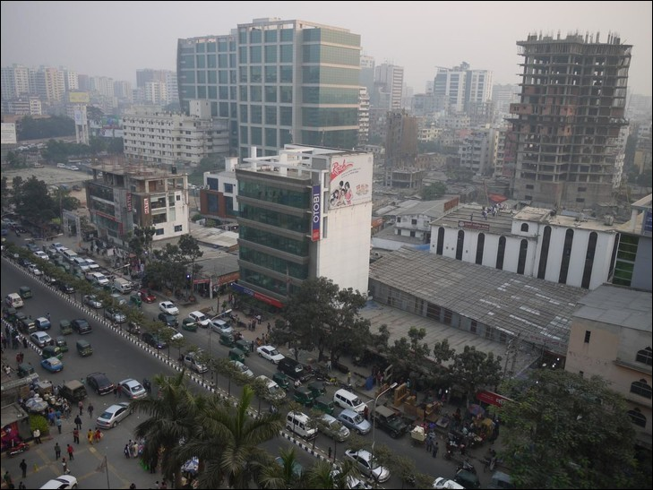 De quel pays Dacca est-elle la capitale ?