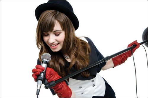 Quel est le genre de musique que Demi Lovato chante ?