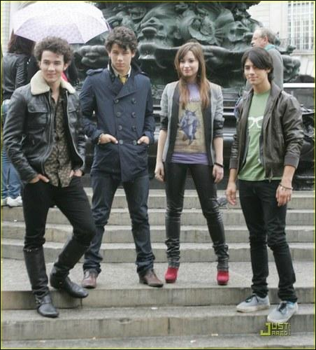 Quel est le titre de la chanson que Demi Lovato interprète avec les Jonas Brothers ?