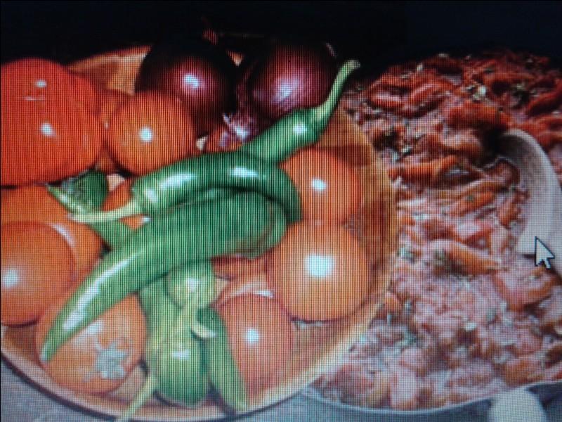 La piperade est à base de tomates et non pas de poivrons mais de piments doux, originaires de :