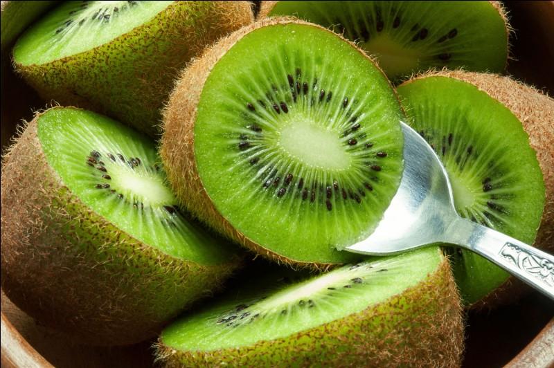 À combien de tonnes la production de kiwi de l'Adour s'élève-t-elle par an ?