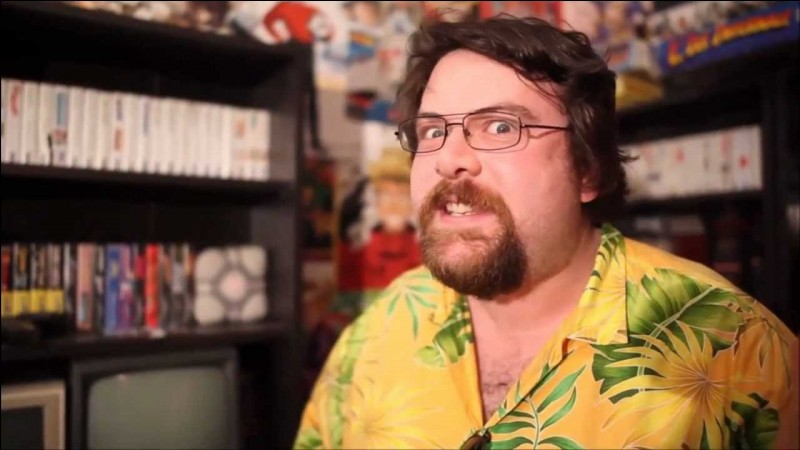 Un autre YouTubeur gaming, le Joueur du Grenier, ou plutôt Frédéric Molas, quel âge a-t-il ?