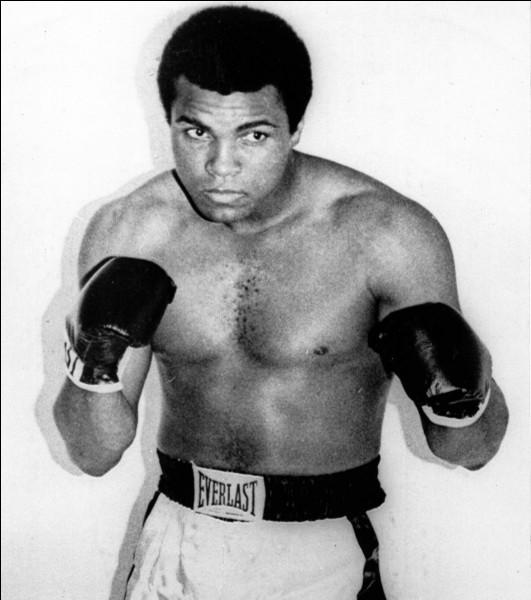 Qui est le premier homme à avoir battu Mohamed Ali ?