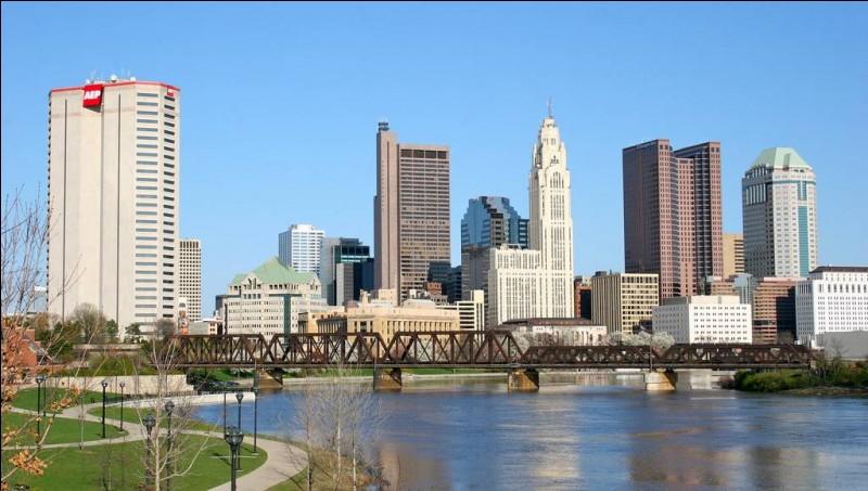 Quelle est cette ville de 800 000 habitants, capitale de l'Etat de l'Ohio aux Etats-Unis ?