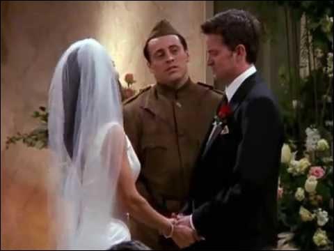 Avec qui Chandler se marie-t-il ?