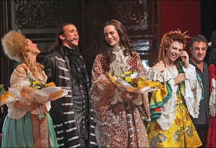 """M - Emmanuel """"Moire"""" a incarné le roi Louis XIV dans la comédie musicale """"Le Roi Soleil"""", de 2004 à 2007."""