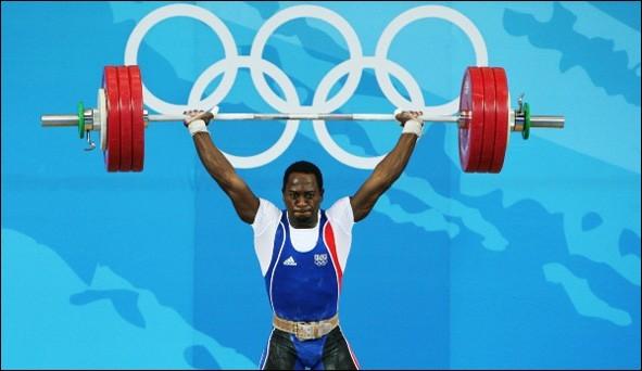 H - L'haltérophilie est un sport olympique depuis les Jeux olympiques d'été de 1896 à Athènes.