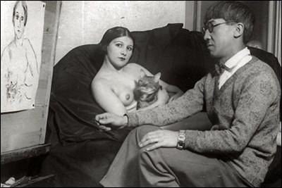 Tsuguharu Foujita et son épouse dans son atelier à Montparnasse (1931).