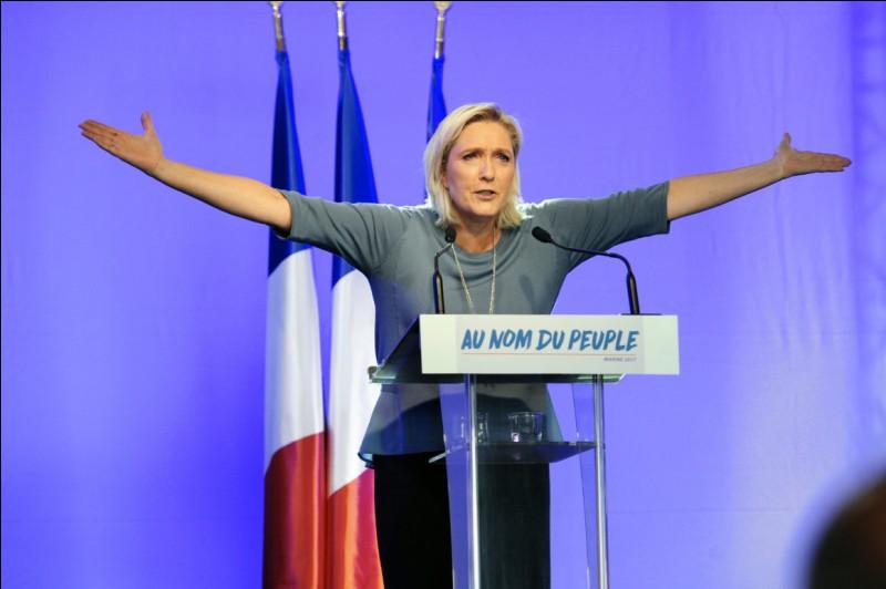 Marine Le Pen n'a obtenu que _____ des voix au second tour.