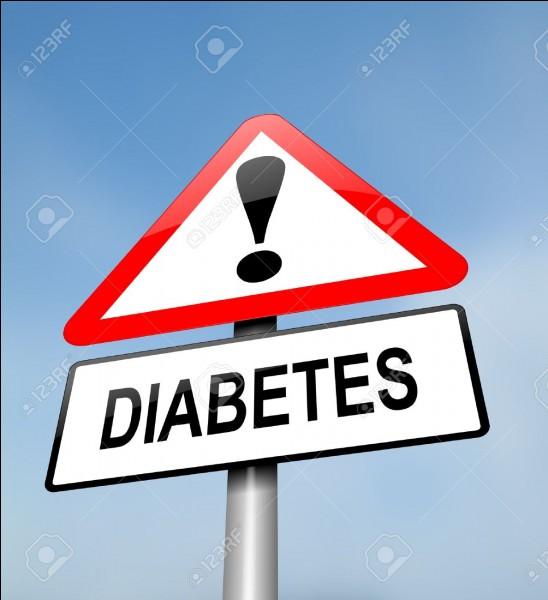 La surveillance biologique du diabète de type 2 comporte :