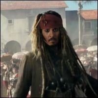 Que fait Jack Sparrow au début du film ?