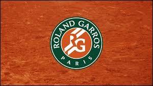 Quel sport pratique-t-on lors du tournoi de Roland-Garros ?