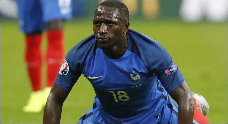 Quel est le poste de Moussa Sissoko sur le terrain ?