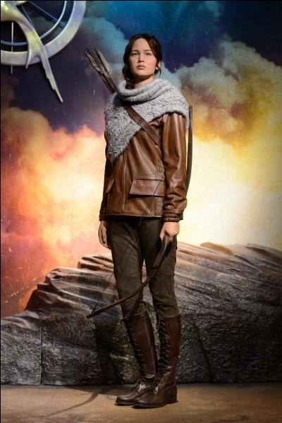 Quel âge a Katniss lorsqu'elle commence les Hunger Games ?