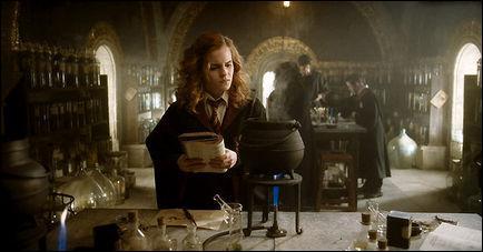 Quelle potion Hermione est-elle en train de préparer ?