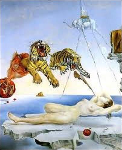 ''Rêve causé par le vol d'une abeille autour d'une grenade, une seconde avant l'éveil'' est une huile sur bois réalisée en 1944 par un artiste surréaliste. Suivant les théories de Freud, ce peintre voulut représenter sur cette toile les stimuli extérieurs qui viennent s'intégrer dans les rêves. Pourriez-vous me citer le nom de l'auteur de cette œuvre ?