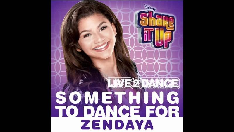 """Quand a-t-elle publié la chanson """"Something to Dance For"""" en tant que single promotionnel de la bande sonore de """"Shake It Up : Live 2 Dance"""" ?"""