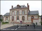 Commune du Centre-Val-de-Loire, dans la région agricole du Gâtinais riche, Courcelles se situe dans le département ...